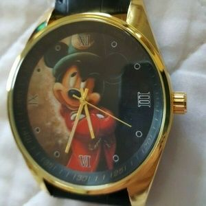 Mickey Mouse Pose Casual Leather Wristwatch NEW
